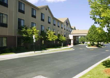 Hampton Inn Detroit/Belleville-Airport Area, MI 48111 near Detroit Metropolitan Wayne County Airport View Point 1