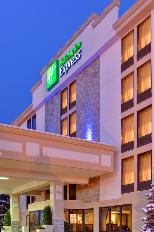 Holiday Inn Express Flint Campus, MI 48503 near Bishop International Airport View Point 1