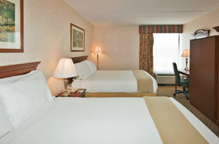 Holiday Inn Express Flint Campus, MI 48503 near Bishop International Airport View Point 3