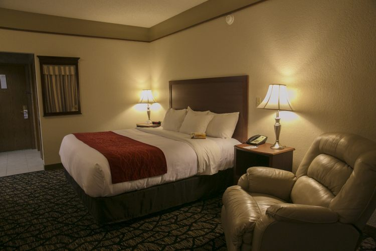 Quality Inn & Suites Kansas City International Airport, MO 64079 near Kansas City International Airport View Point 2