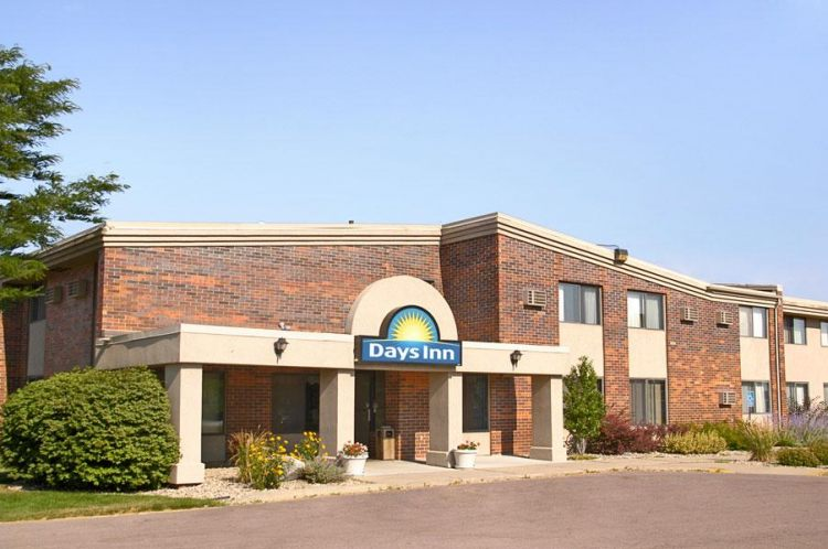 Days Inn Sioux Falls Airport, SD 57104 near Joe Foss Field View Point 0