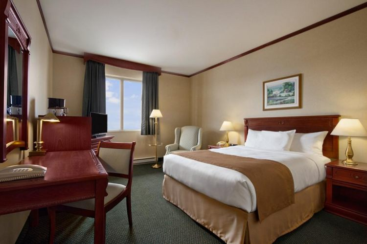 Travelodge Hotel Montreal Airport, Quebec H4T 1E7 near Montreal-Pierre Elliott Trudeau Int. Airport View Point 4