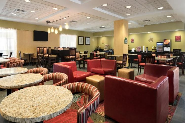 La Quinta Inn & Suites St Louis Airport-Riverport, MO 63043 near Lambert-saint Louis International Airport View Point 2