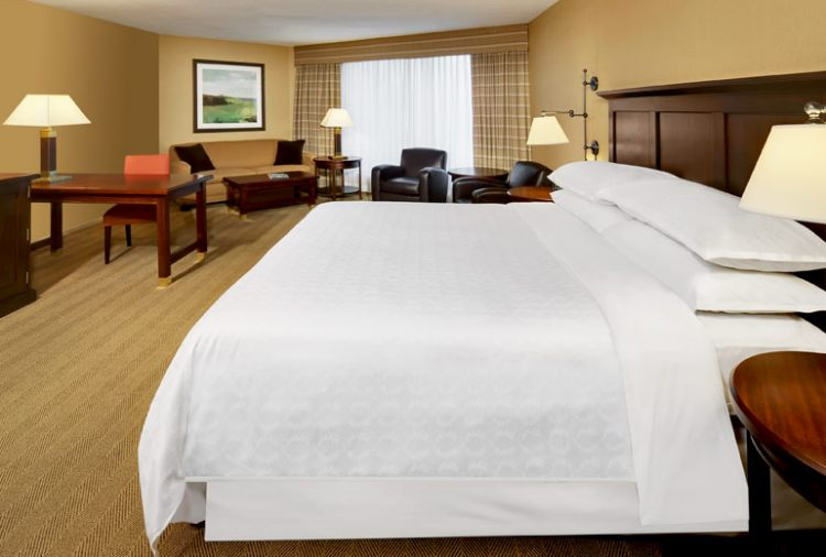 sheraton gateway toronto intl airport ontario yyz airport. Black Bedroom Furniture Sets. Home Design Ideas