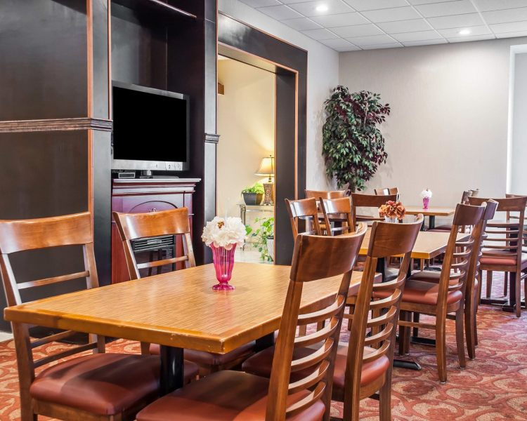 Quality Inn Buffalo Airport, NY 14225 near Buffalo Niagara International Airport View Point 6