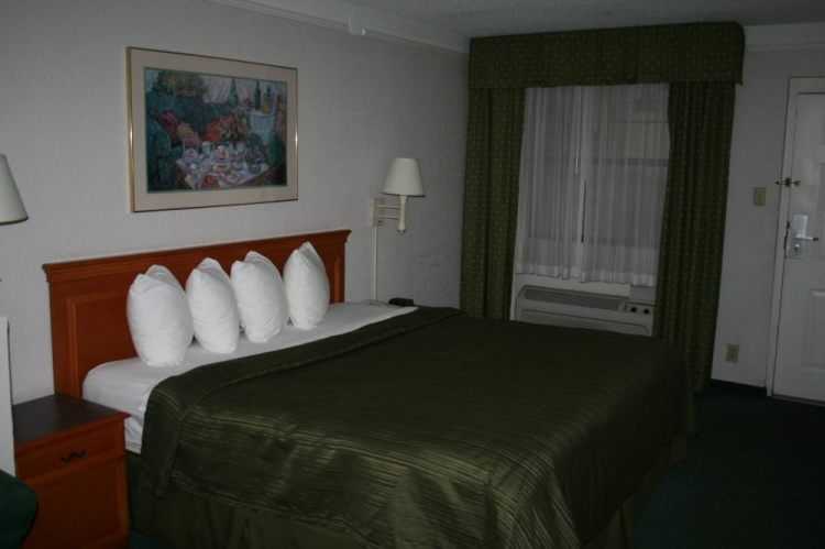 Quality Inn & Suites Charlotte Airport, NC 28208 near Charlotte/douglas International Airport View Point 3