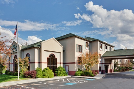 Country Inn & Suites , TN 37701