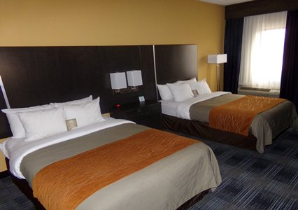 Comfort Inn Cleveland Airport, OH 44130 near Cleveland Hopkins International Airport View Point 4