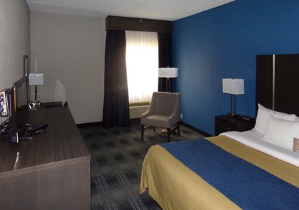 Comfort Inn Cleveland Airport, OH 44130 near Cleveland Hopkins International Airport View Point 3