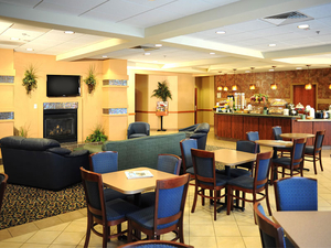 La Quinta Inn And Suites Springfield Airport Plaza, MO 65803 near Springfield-branson National Airport View Point 10