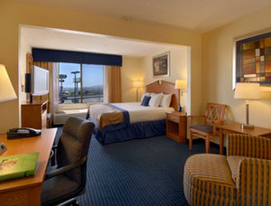 Holiday Inn El Paso Airport, TX 79925 near El Paso International Airport View Point 10