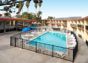 Econo Lodge Inn & Suites Oakland Airport, CA 94621 near Oakland International Airport View Point 2