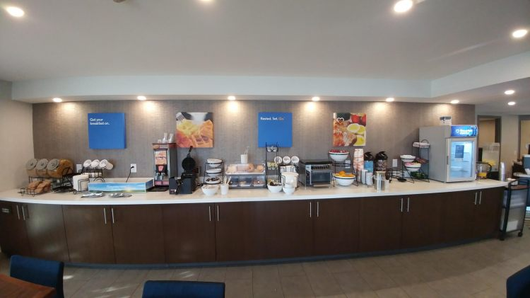 Comfort Inn Aeroport YUL, Quebec QC H9P 1C1 near Montreal-Pierre Elliott Trudeau Int. Airport View Point 7