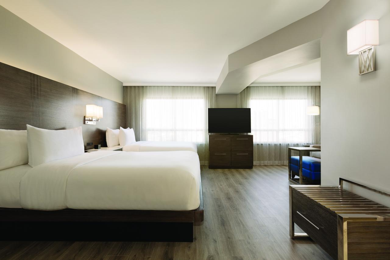 Embassy Suites by Hilton, Toronto Airport, On M9W5G1 near Toronto Pearson International Airport View Point 6