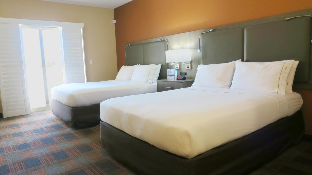 Holiday Inn Elk Grove Village, IL 60007 near Ohare International Airport View Point 2