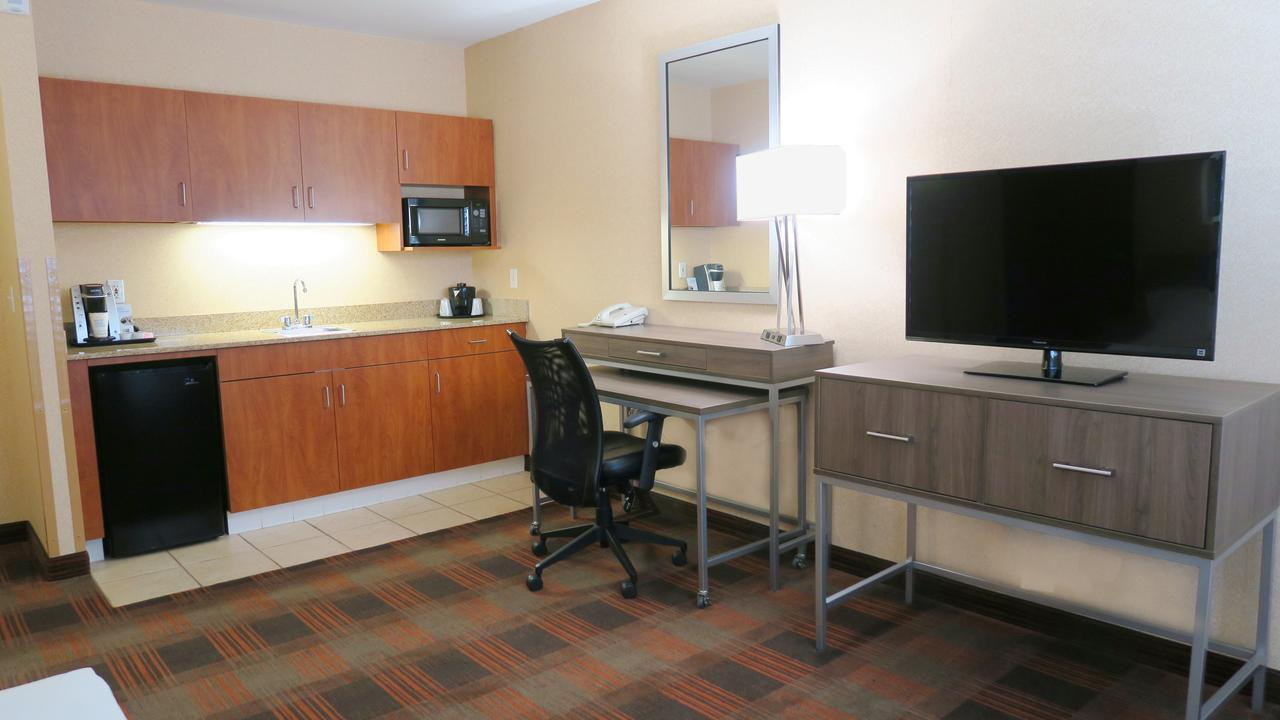 Holiday Inn Elk Grove Village, IL 60007 near Ohare International Airport View Point 4