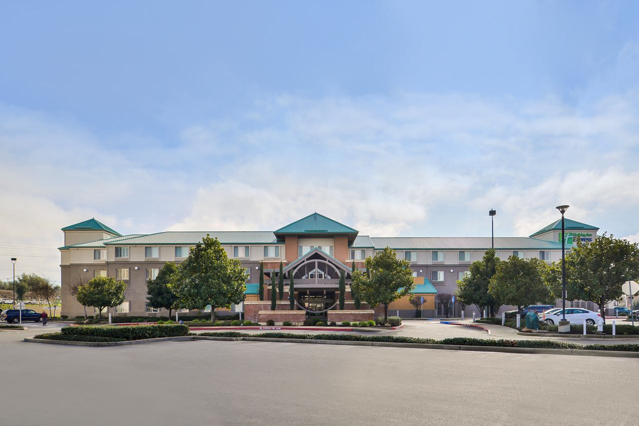 Holiday Inn Elk Grove Village