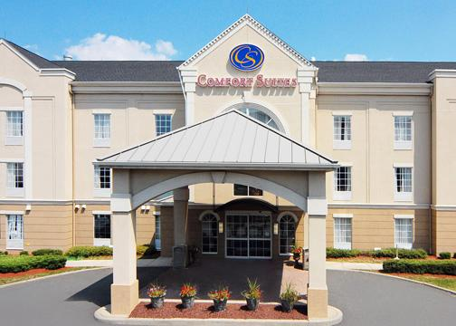 Front view of Comfort Suites, NJ 07104