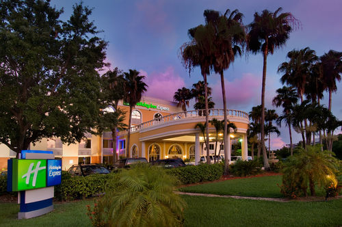 Holiday Inn Express Miami - Doral, FL 33166