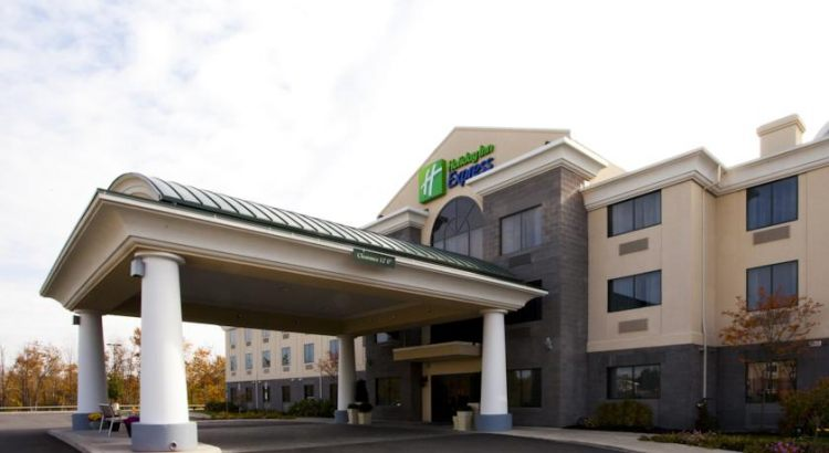 Holiday Inn Express Hotel North Syracuse, NY 13212