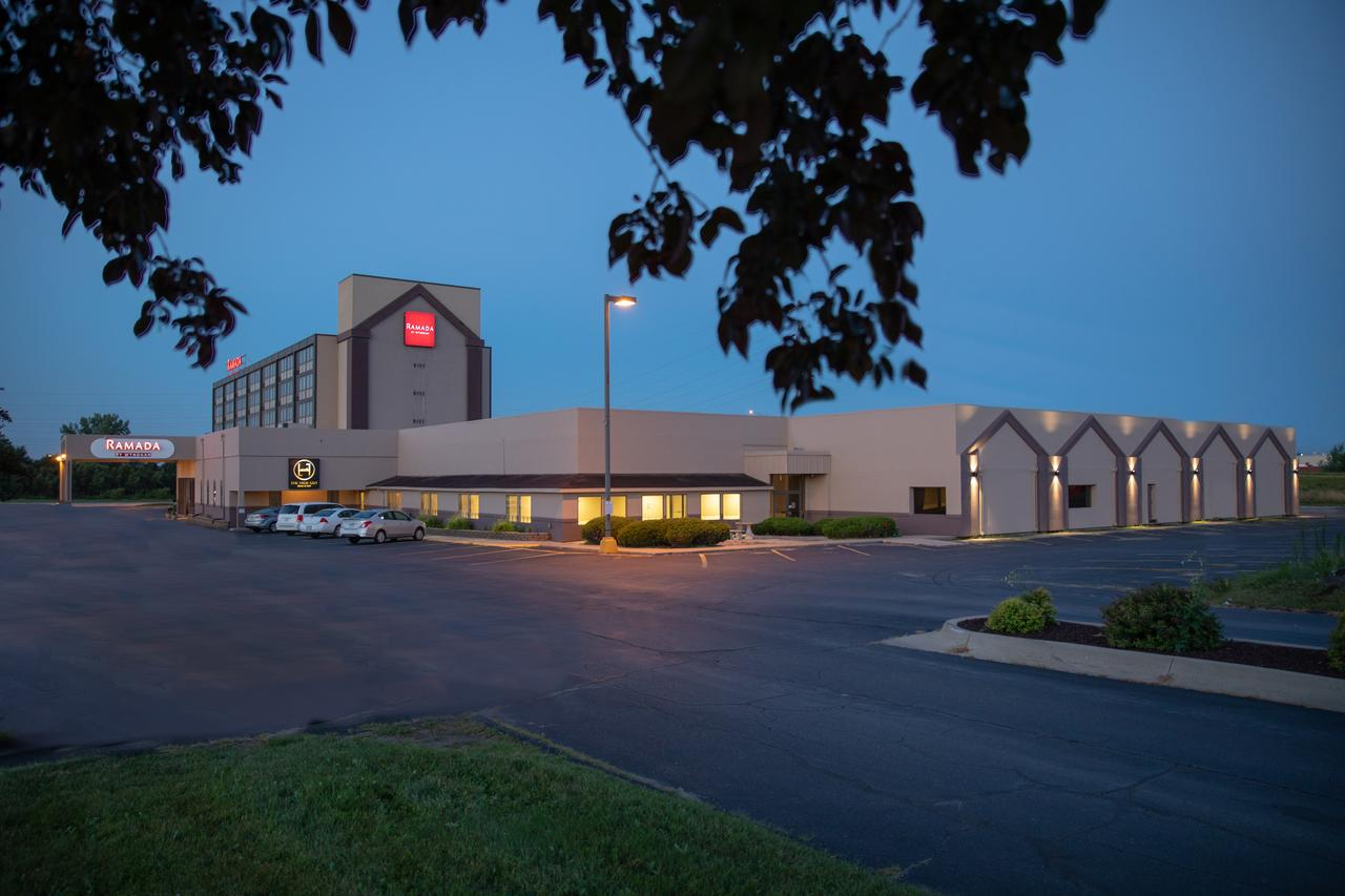 Ramada Hotel & Convention Center , IA 52404 near The Eastern Iowa Airport View Point 1