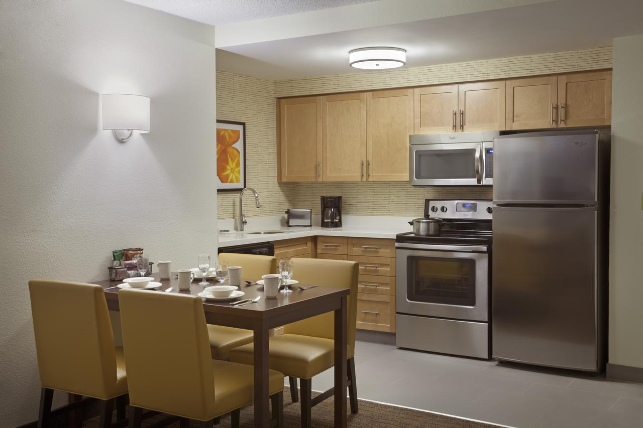 Residence Inn by Marriott Mississauga Meadowvale , On, Canada L5N 7K2 near Toronto Pearson International Airport View Point 3