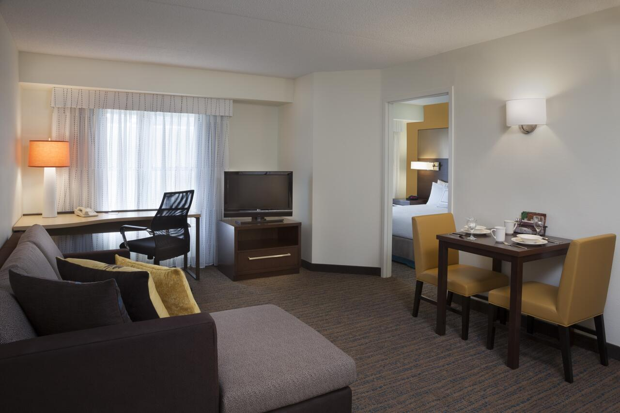 Residence Inn by Marriott Mississauga Meadowvale , On, Canada L5N 7K2 near Toronto Pearson International Airport View Point 2