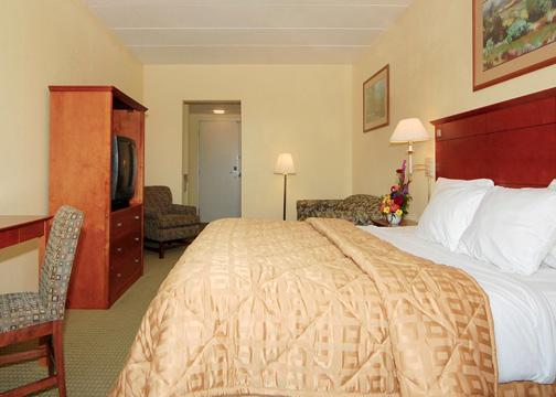 La Quinta Inn & Suites Philadelphia Airport, PA 19029 near Philadelphia International Airport View Point 1