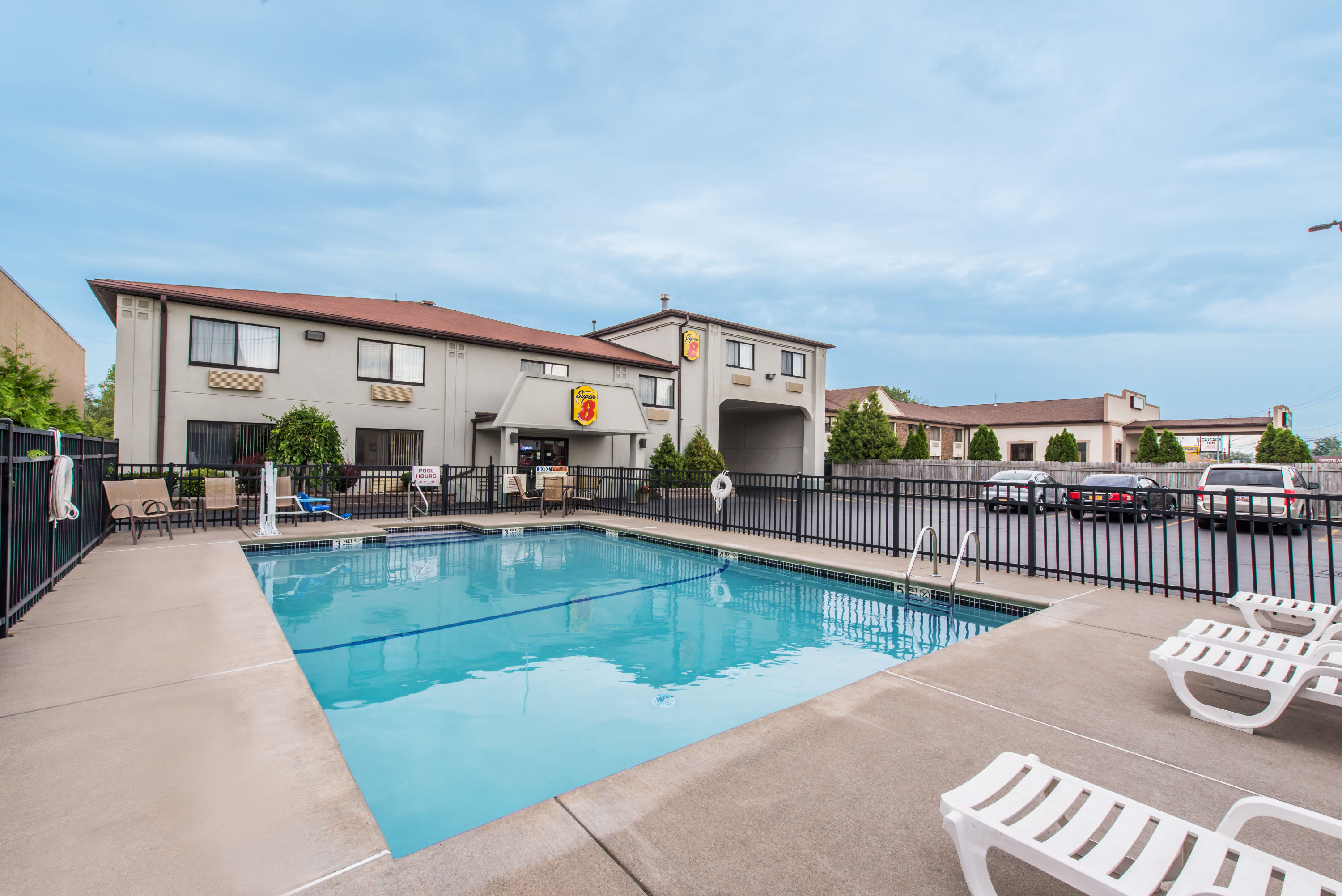Super 8 by Wyndham- Niagara Falls, NY 14304 near Niagara Falls International Airport View Point 8