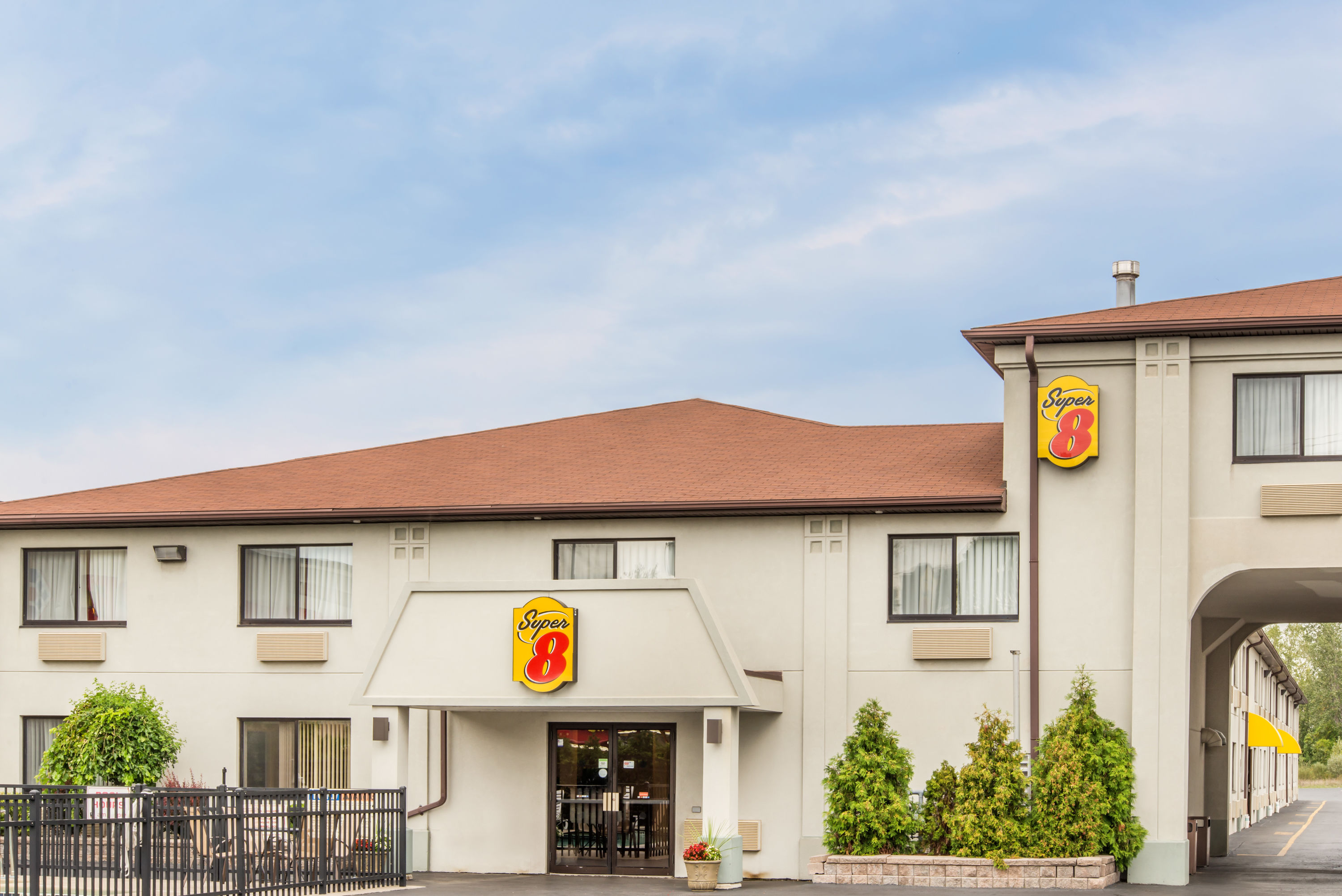 Super 8 by Wyndham- Niagara Falls, NY 14304 near Niagara Falls International Airport View Point 1