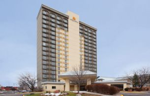 LaQuinta Inn and  Suites West , MN 55437